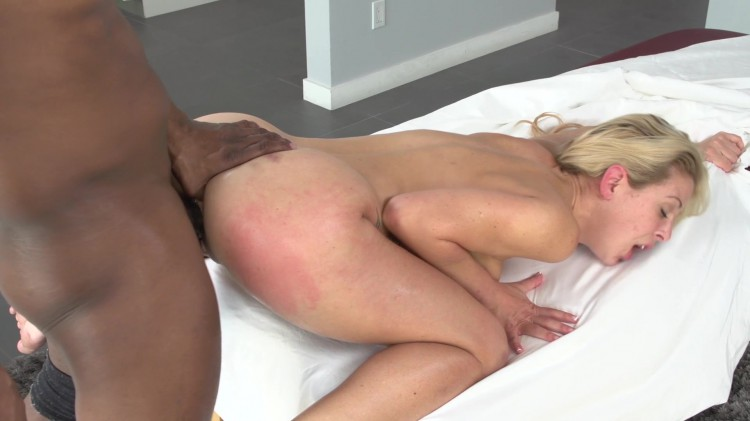 Milf tits and pussy